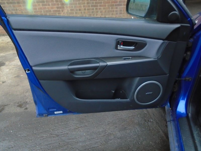 07 MAZDA-3 BK 2.0 TD SPORT NEARSIDE FRONT BARE DOOR CARD PANEL 03-09 BREAKING
