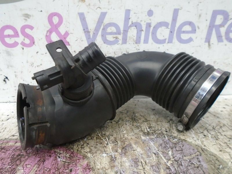 2010 VAUXHALL INSIGNIA ESTATE 2.0 CDTI AIR INTAKE PIPE / HOSE 2008-2013