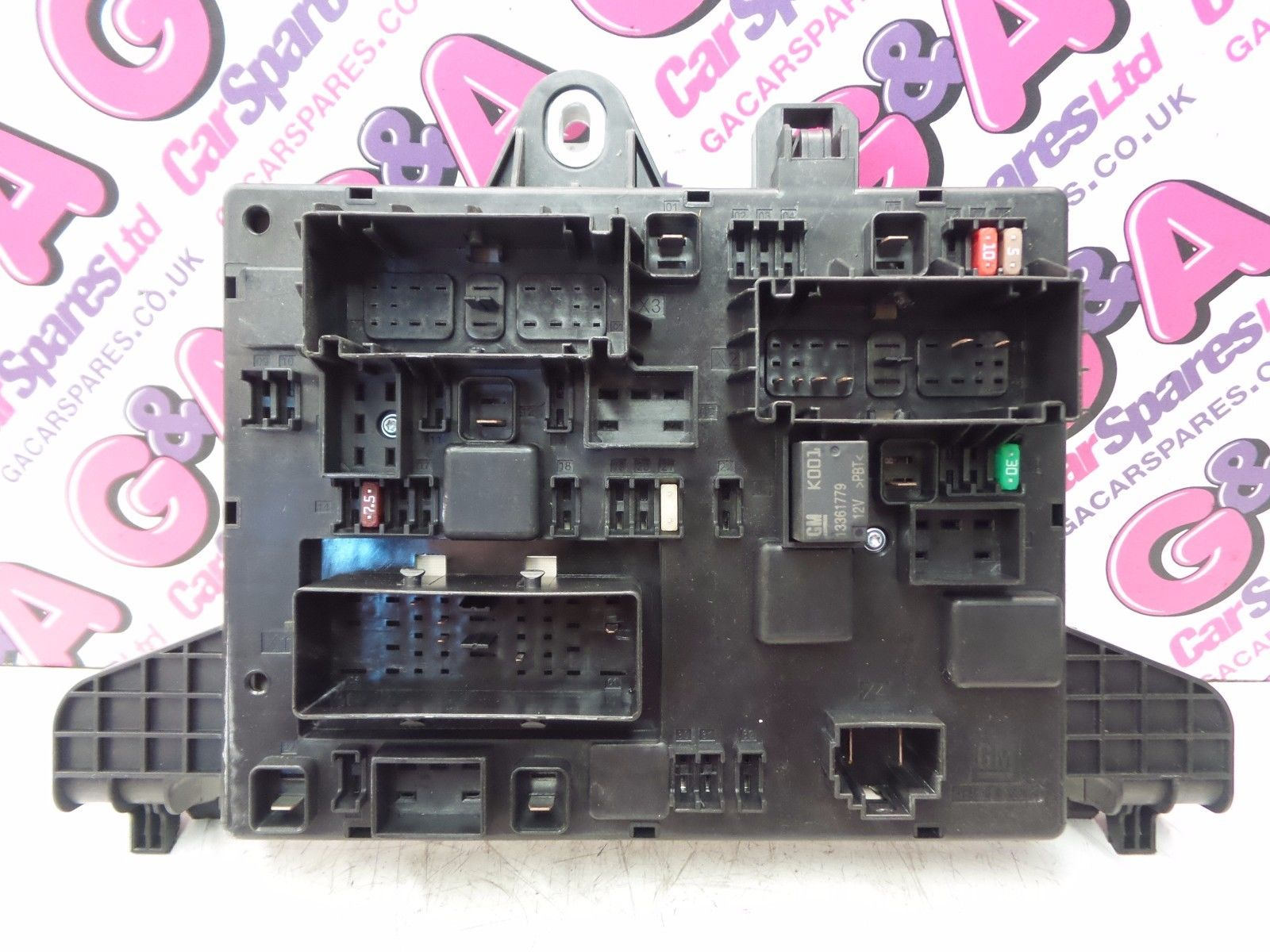 VAUXHALL ASTRA GTC 1.6 16V PETROL TURBO REAR FUSE BOARD / FUSE BOX 2011-2015