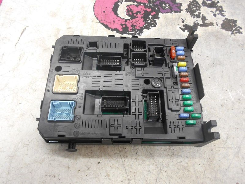 citroen c4 grand picasso fuse box relay board 07 10 g. Black Bedroom Furniture Sets. Home Design Ideas