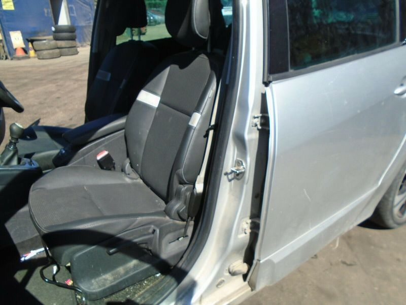 11 RENAULT GRAND SCENIC MK3 NEARSIDE FRONT 1/2 LEATHER SEAT 09-13 BREAKING CAR