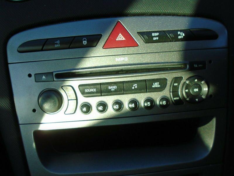 07 PEUGEOT 308 GT 2.0 HDI 5 DOOR RADIO CD HEAD UNIT-NO CODE 07-11 BREAKING CAR