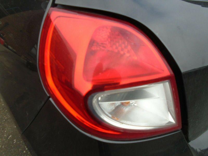 10 RENAULT CLIO MK3 3 DOOR FACELIFT NEARSIDE REAR TAIL LIGHT 05-12 BREAKING CAR