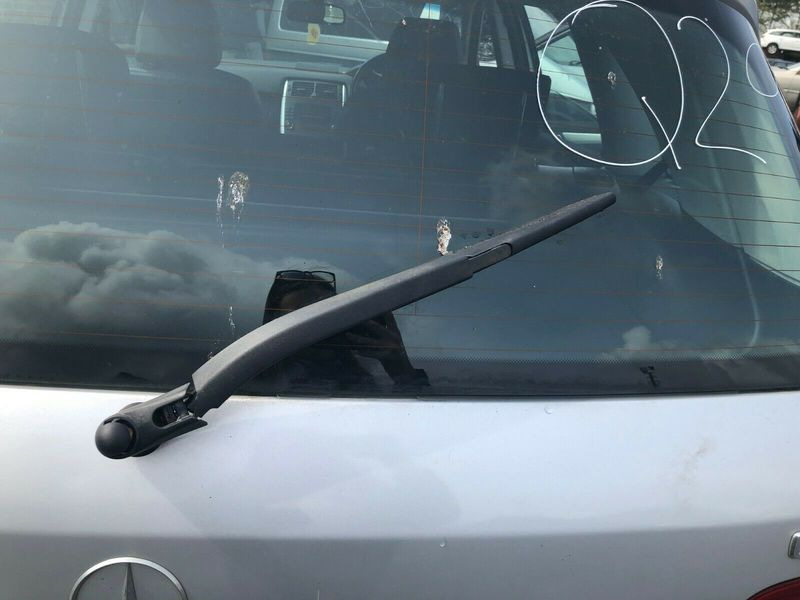 06 MERCEDES B180 CDI REAR WIPER ARM 05-11 BREAKING CAR