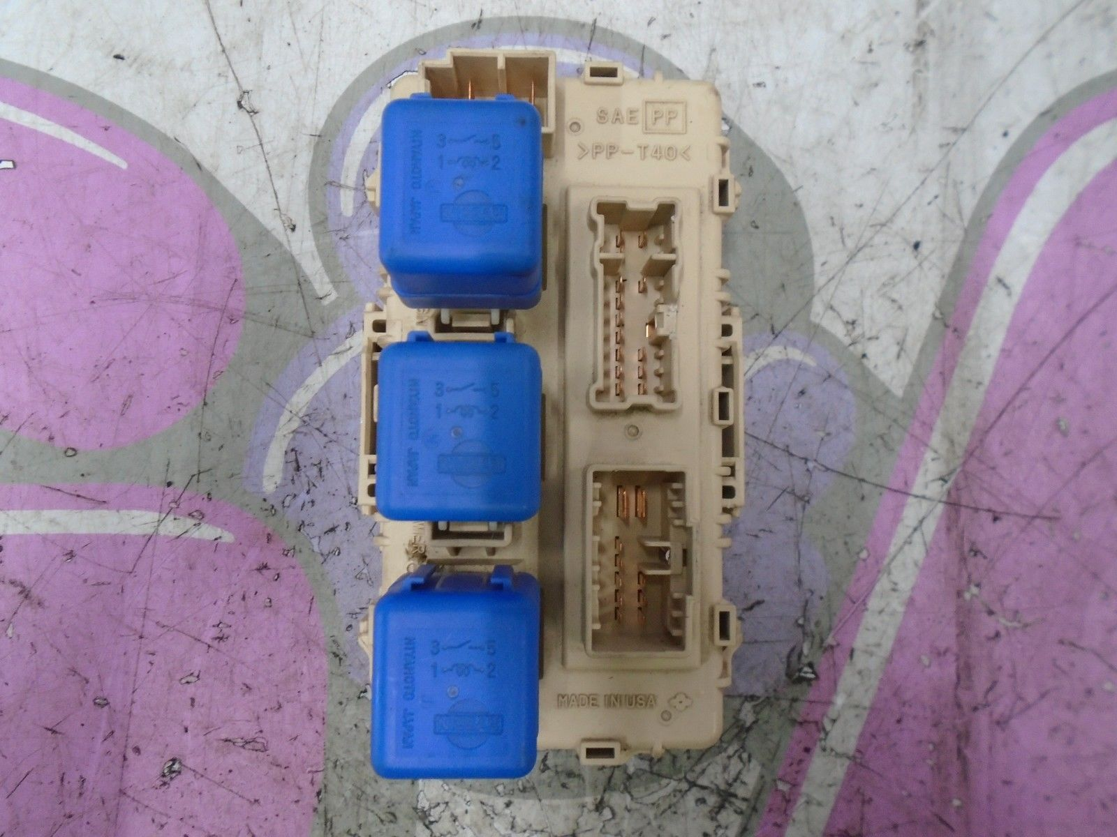 Nissan X Trail T30 Fuse Box
